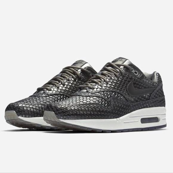 Nike Air Max 1 Jewel Wolf Grey AA0512 002 Sneaker Bar Detroit